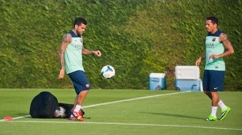 Alves et Busquets de retour dans le groupe - Fc-Barcelone.com