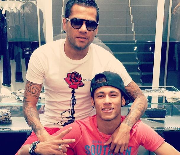 Alves et Neymar en pleine séance de shopping - Fc-Barcelone.com
