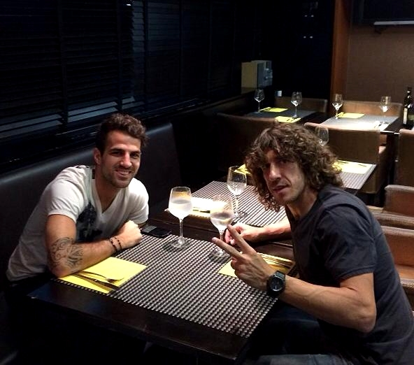 Cesc et Puyol à table avant le match ! - Fc-Barcelone.com