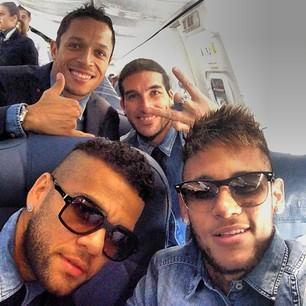 Les joueurs en route vers Milan - Fc-Barcelone.com