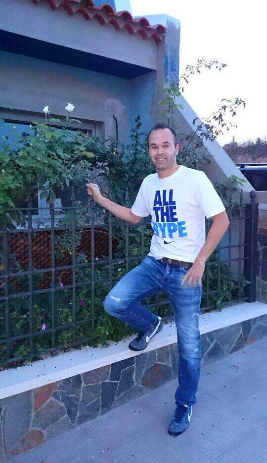 Andres Iniesta de retour à la maison - Fc-Barcelone.com