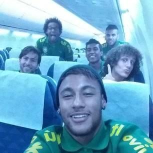 Neymar et Alves en route vers la Chine - Fc-Barcelone.com