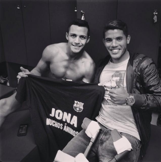 Jonathan Dos Santos est venu voir le derby au Camp Nou - Fc-Barcelone.com