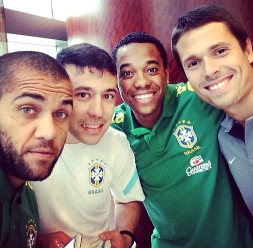 Alves concentré avec l'équipe du Brésil - Fc-Barcelone.com