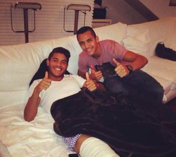 Alexis a rendu visite à Dos Santos - Fc-Barcelone.com