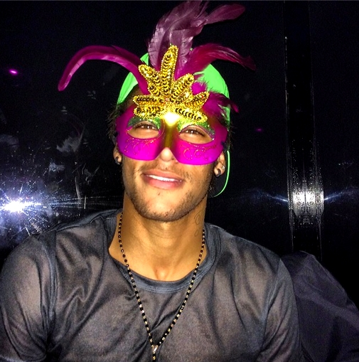Neymar fête le carnaval - Fc-Barcelone.com