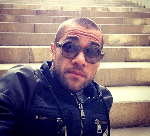 Alves souhaiterait partir - Fc-Barcelone.com