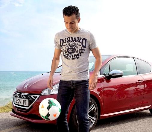 Quelques jongles pour Pedro - Fc-Barcelone.com