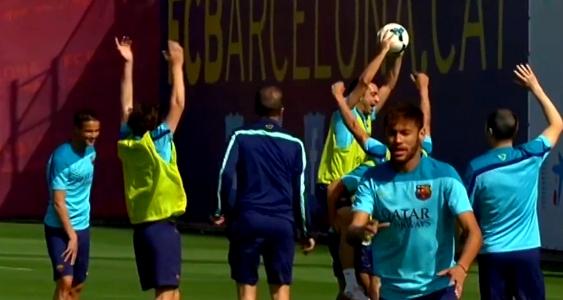 Des sourires à l'entraînement - Fc-Barcelone.com