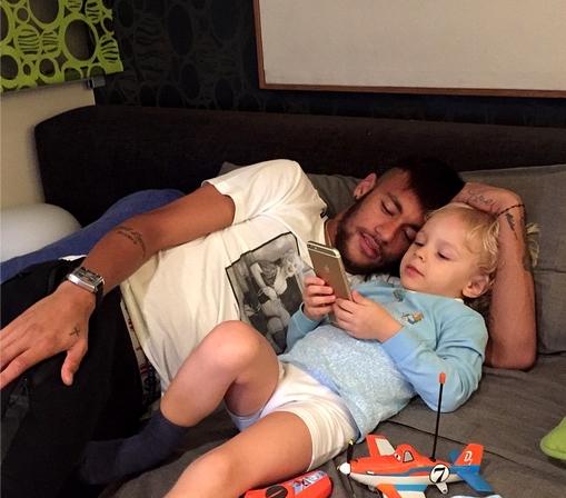 Neymar en famille - Fc-Barcelone.com