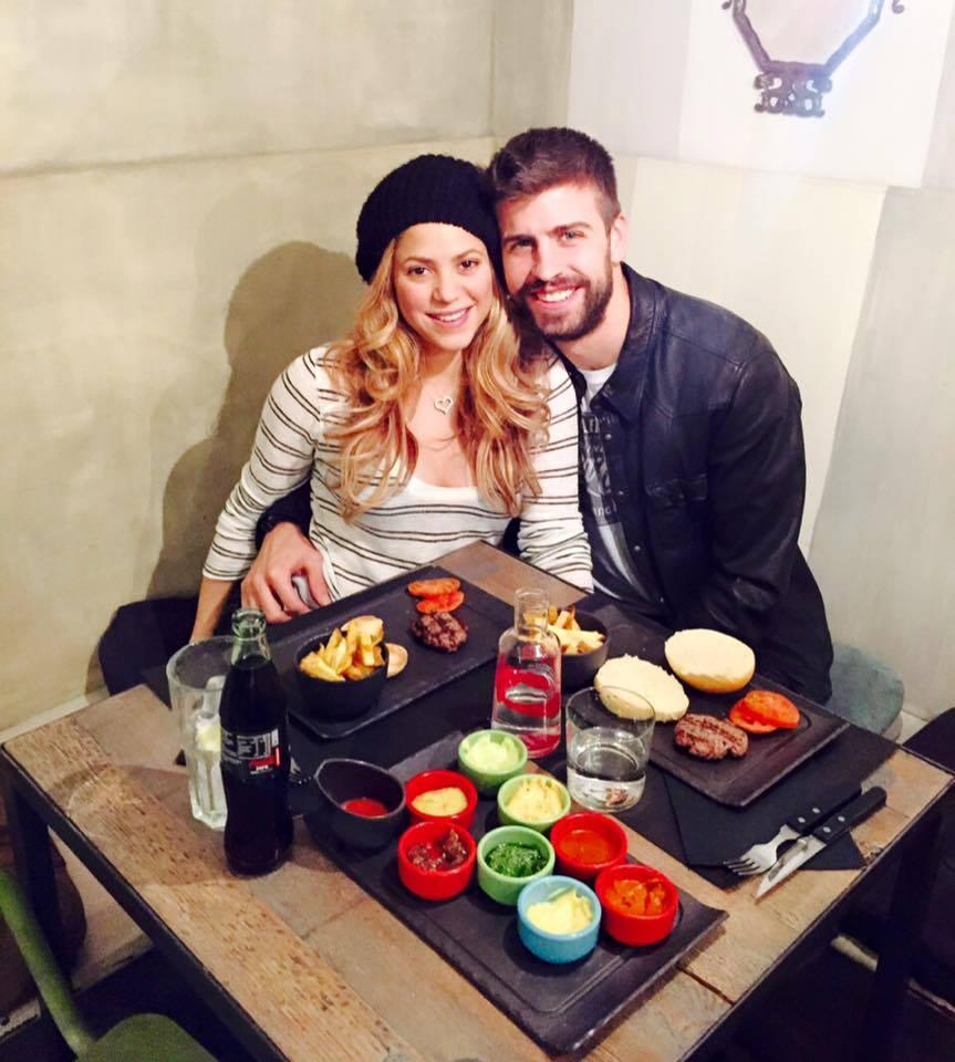 Un hamburger pour Piqué et Shakira - Fc-Barcelone.com