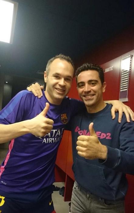 Iniesta et Xavi heureux - Fc-Barcelone.com