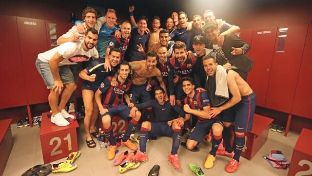 Le vestiaire a fêté la victoire - Fc-Barcelone.com