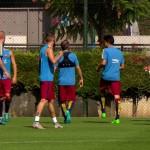 Petit pont de Messi à Mascherano - Fc-Barcelone.com