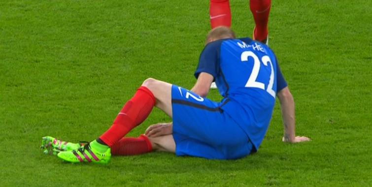 Mathieu blessé au genou - Fc-Barcelone.com