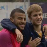 Justin Bieber à l'entraînement du Barça - Fc-Barcelone.com