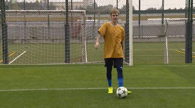 Justin Bieber s'entraîne avec le Barça - Fc-Barcelone.com