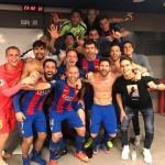 Euphorie dans le vestiaire ! - Fc-Barcelone.com