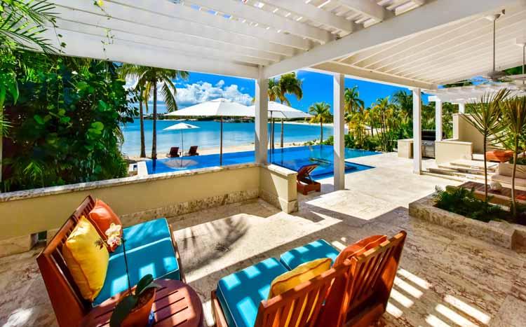les photos de la maison de vacances de messi fc. Black Bedroom Furniture Sets. Home Design Ideas