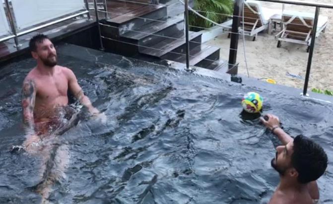 Messi s'amuse avec Suarez en vacances - Fc-Barcelone.com